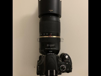 Used Nikon D5100 with zoom lens. in Dubai, UAE
