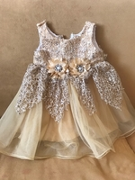 Used Baby dress age 12 to 18 months  in Dubai, UAE