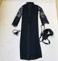 Used 🌺Silky robe with belt and panties🌺 in Dubai, UAE
