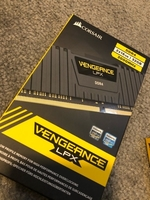 Used Corsair Vengeance DDR4 2x16 (32gb) in Dubai, UAE