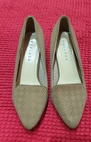 Used Women's shoes size 5 in Dubai, UAE