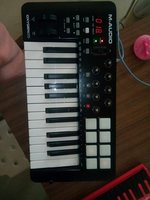 Used M Audio Oxygen 29 beat composer keyboard in Dubai, UAE
