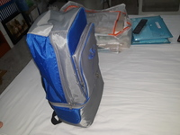 Used Half cooler Half storage bag in Dubai, UAE
