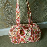 Used Original Vera Bradley Handbag Preloaded On Excellent Condition in Dubai, UAE