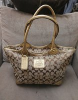 Used Coach Signature Tote Bag(Authentic) in Dubai, UAE
