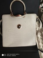 Used White ladis hand bag in Dubai, UAE