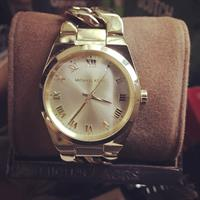 Used Michael kors Authentic Watch. Complete Inclusions With Box And Manual. Original. in Dubai, UAE