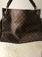 Used LV Bag preloved. Master copy. in Dubai, UAE
