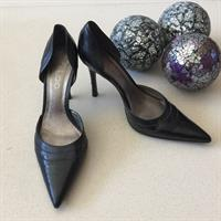 Aldo Black Heels Used Twice Only Size 38 Scratch On One Heel