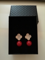 Used Brand new earrings with crystal and box in Dubai, UAE