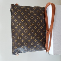 Used LV messenger bag unisex in Dubai, UAE