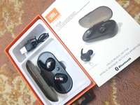 Used JbL best headphones in Dubai, UAE