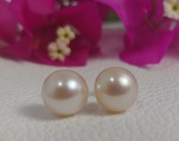 Used 18k gold 10 mm genuine pearl earring in Dubai, UAE