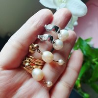 2pairs of earings/silver and gold