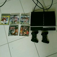 Used Play Station 3 With 2 Controllers and Five Games in Dubai, UAE