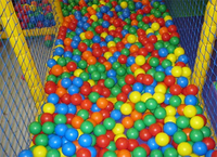 Used Soft playing mat and balls in Dubai, UAE