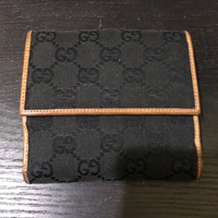 Used Gucci wallet unisex..original!! in Dubai, UAE