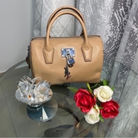 Used Authentic Hand bag in Dubai, UAE