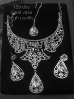 Used crystal studded necklace earnings head  in Dubai, UAE