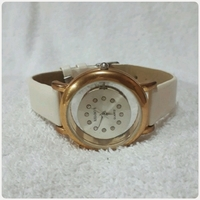 Used Relogs watch for her.. in Dubai, UAE
