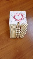 Used pearl hair clips 4 pcs in box in Dubai, UAE