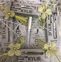 Kylie Eyelash Glue ! The Better Choice I Always Do Give To ! The Price Above I Plus 25dhs For Delivery So It Is Your Choice ! Thanks All !
