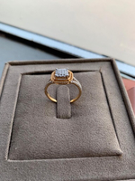 Used Diamond 18k Gold Ring  in Dubai, UAE
