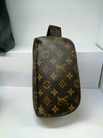 Used Louis vuitton design pouch in Dubai, UAE