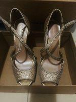 Used Style & Co gold heels NEW size 9 in Dubai, UAE