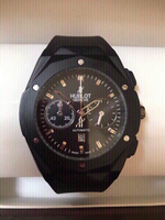 Used Black Hublot wristwatch ⌚️ for men in Dubai, UAE