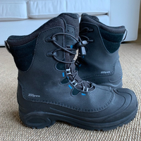 Used Columbia Omni Heat Waterproof Boots in Dubai, UAE