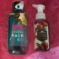 Used Bath And Body Works - Hand Wash And Body Wash  in Dubai, UAE