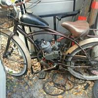 Used I Have a 80cc Motorcycle bicycle For sale in Dubai, UAE