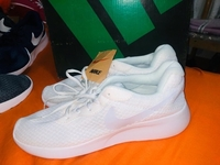 Used NIKE SHOES WHITE in Dubai, UAE