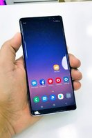 Used Galaxy Note 8 With Charger and Headphone in Dubai, UAE