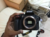Used Nikon D3300 with Kit Lens for Sale. in Dubai, UAE