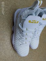 Used White shoes Lebron J nike in Dubai, UAE