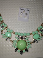 Used New green big size necklace+ free earing in Dubai, UAE