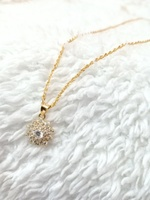 Used 18K Gold Necklace with Pendant in Dubai, UAE