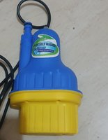 Used Car Washer 12v with a Spray Gun, Brush in Dubai, UAE