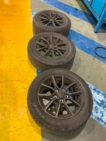 Used Size16 dunlop Tyers 2016 used for 58k km in Dubai, UAE