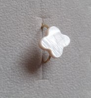 New 18k real gold ring with MOP flower