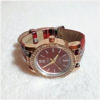 New red Sanessi watch for lady.