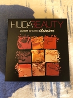 Used Huda Beauty Eyeshadow Palette New & Orig in Dubai, UAE