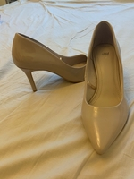 Used H&M heels - NEVER USED - BEIGE - SIZE 37 in Dubai, UAE