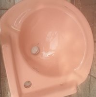 Used Ceremic basin for washrooms n cabins in Dubai, UAE