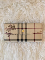 Used Burberry wallet  in Dubai, UAE