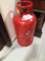 Used Gas cylinders with regulator and pipe in Dubai, UAE