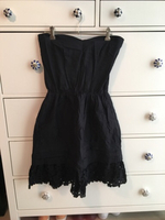 Used Strapless summer dress- inbuilt bandeau in Dubai, UAE