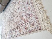 Used Carpet, used 1y4m, no visible stains in Dubai, UAE